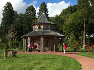 Dumfries House trip – in the gardens
